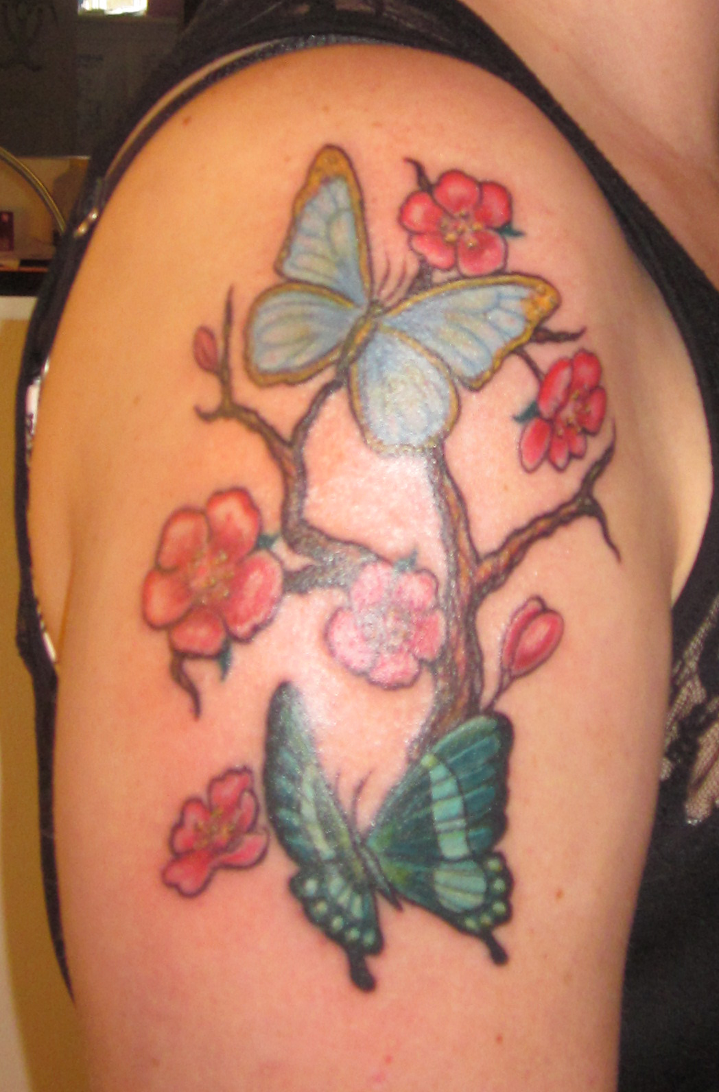 """body essay image piercing tattoo """"the colors and pictures we apply to our skin communicate our values and tattoos vs body piercings essay body piercings, and other body modifications essay."""